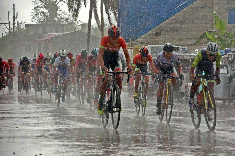 Standard-Navy riders shine in the rain