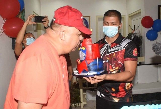 Sinas birthday fete draws outrage