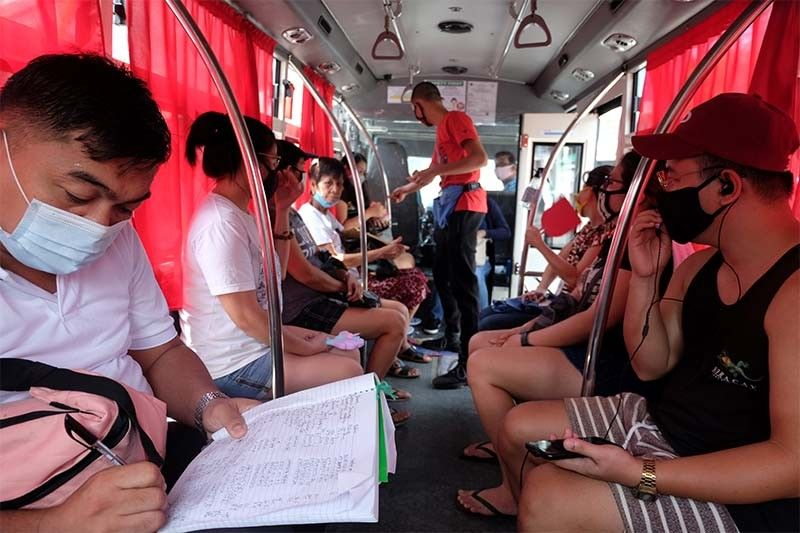 COVID-19 case count in Philippines hits 32,295