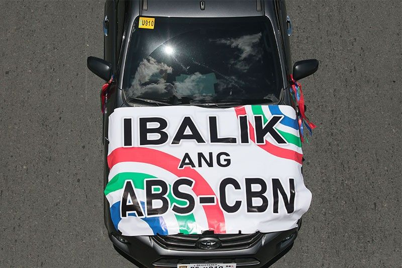 List of lawmakers who voted for and against ABS-CBN franchise renewal