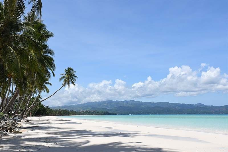 Boracay eases age restrictions for Western Visayas tourists