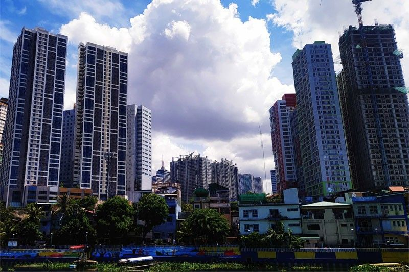 Moody's Analytics: Philippine economy likely contracted 8% in Q2