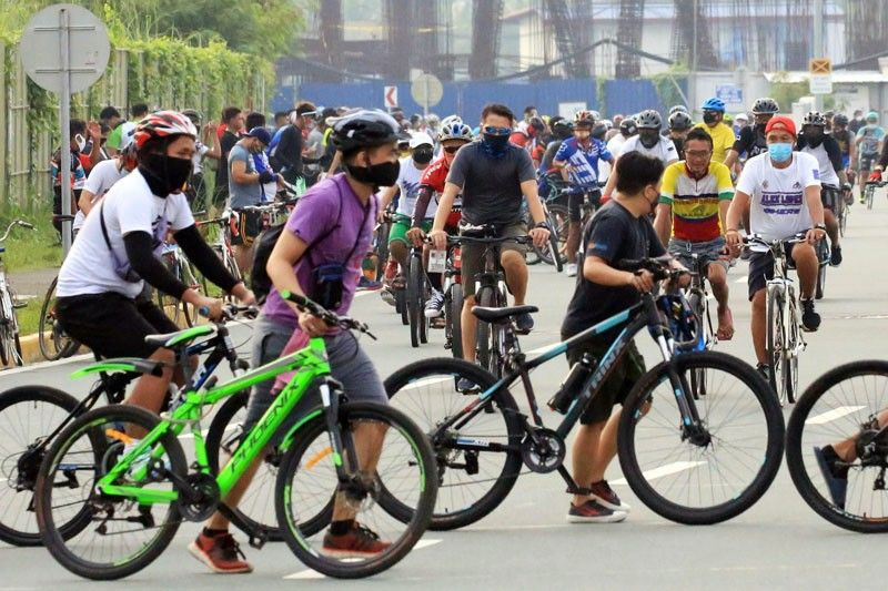 Parañaque puts up bike lane