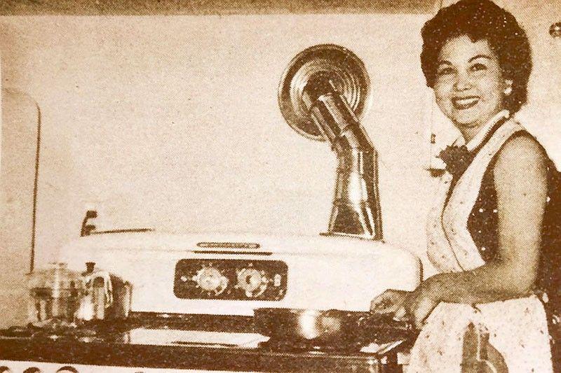 Rosa del Rosario: �The Queen Retires�