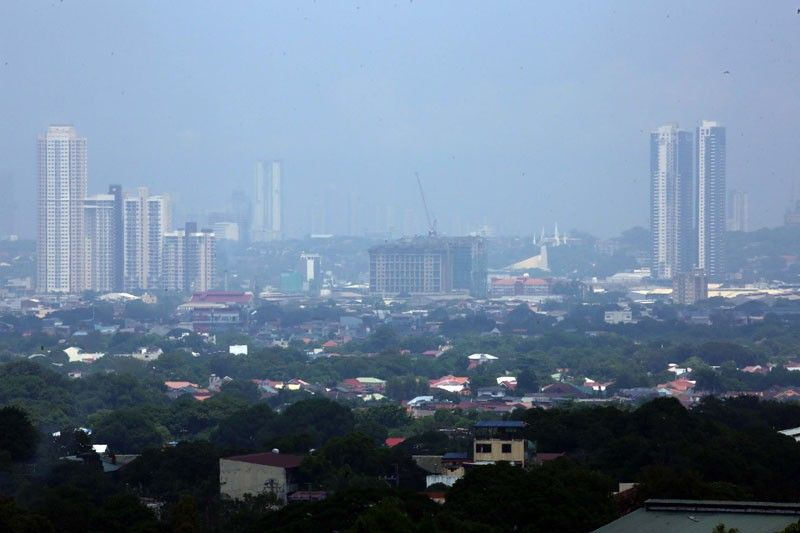 Fitch: Philippines to shrink by 8% this year