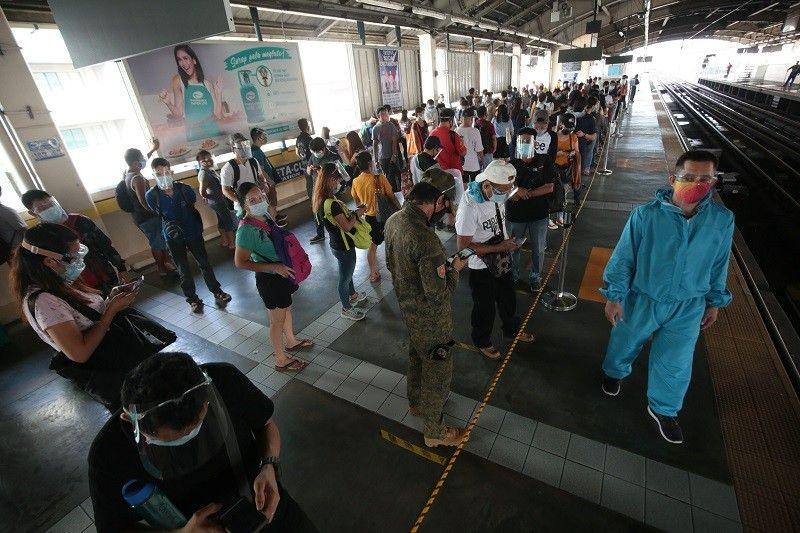 COVID-19 cases sa Pilipinas 371,630 na; patay pumalo sa 7,039