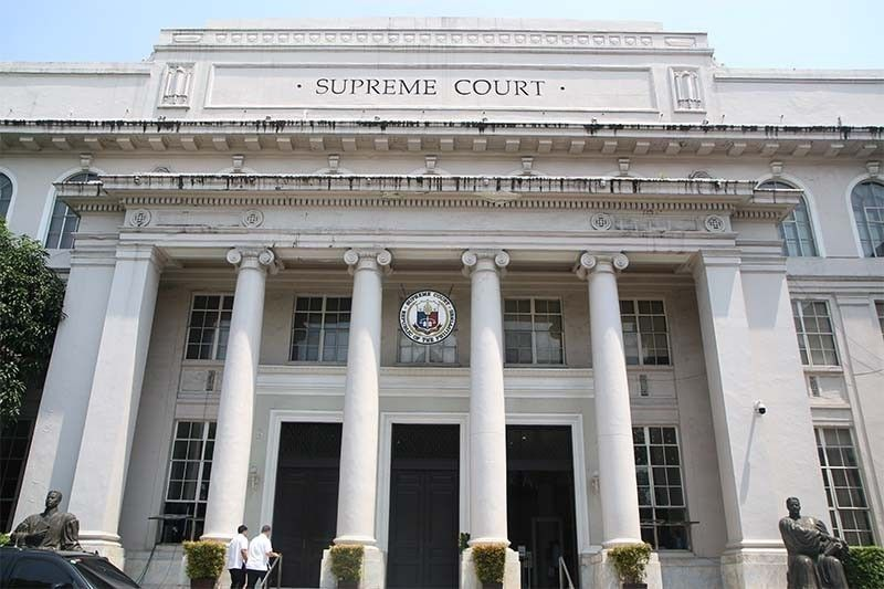 Labor groups to challenge DOLE�s extension of forced leave of workers at SC