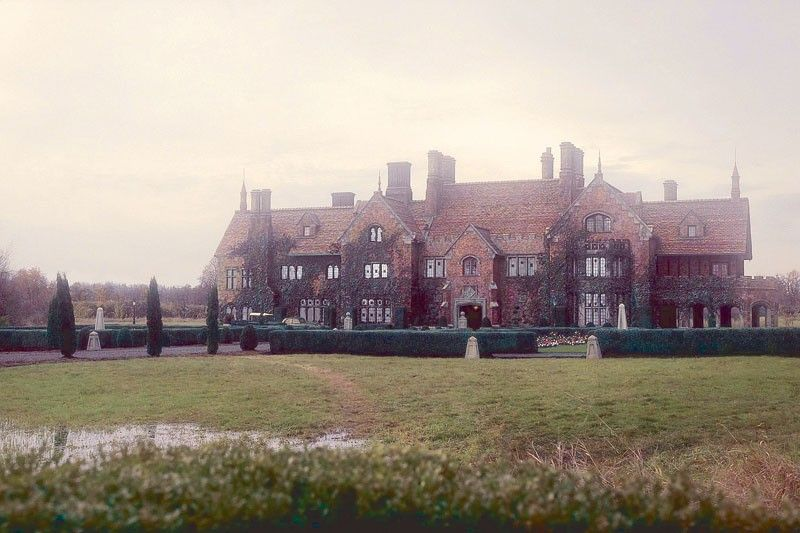 Why Bly Manor is �same but different� kind of ghost story from Hill House