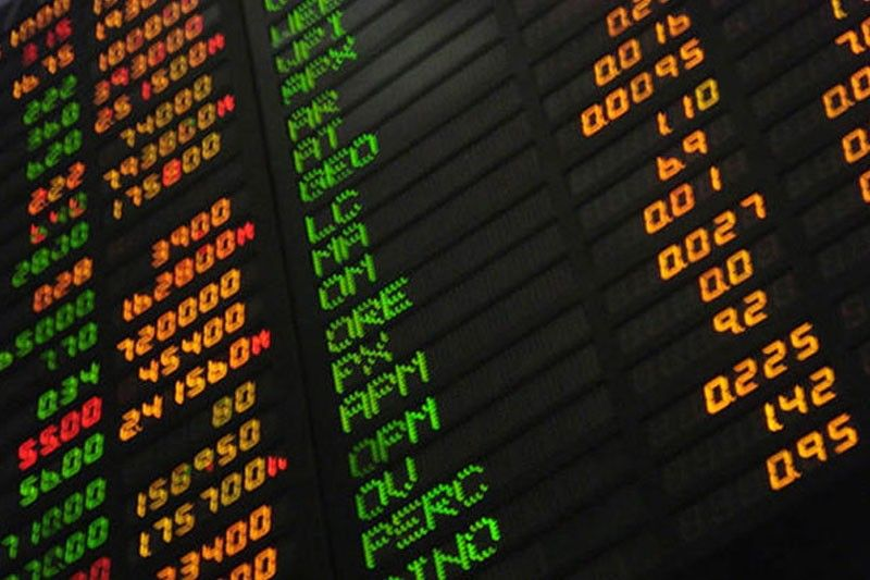 Investors sell down stocks amid Wall St plunge, virus scare