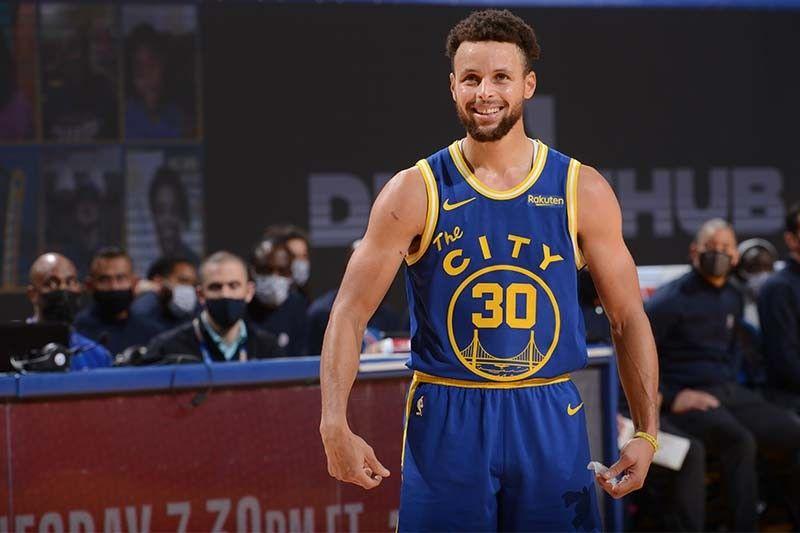 Warriors get back at Clippers; Lakers escape Bulls