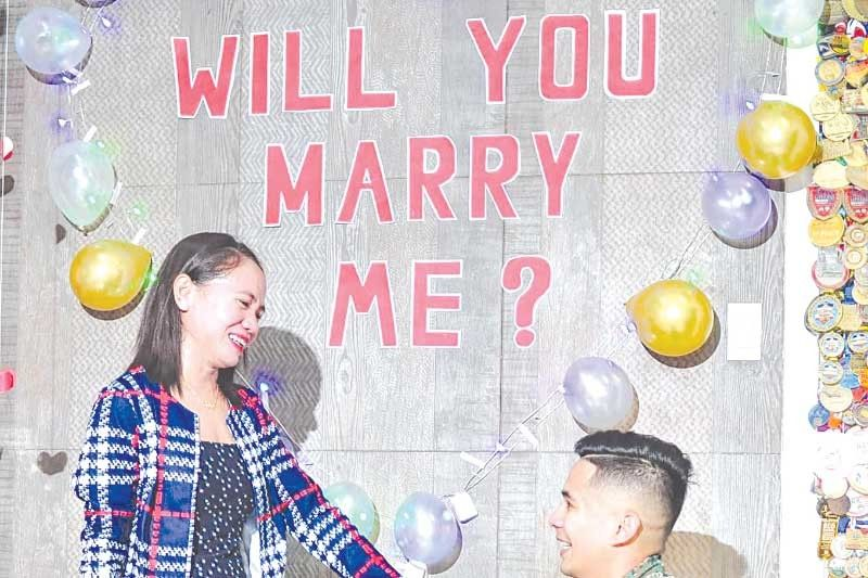 What a joy! Cebuana marathon star Tabal gets engaged to navy officer
