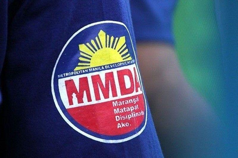 MMDA helps LGUs in vaccine rollout