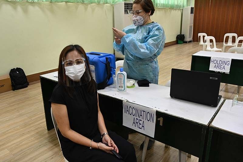 Palace reminds people in 'A4' priority sectors to register for vaccination