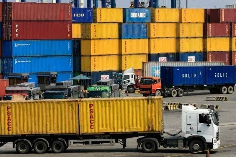Soaring shipping rates to raise import costs