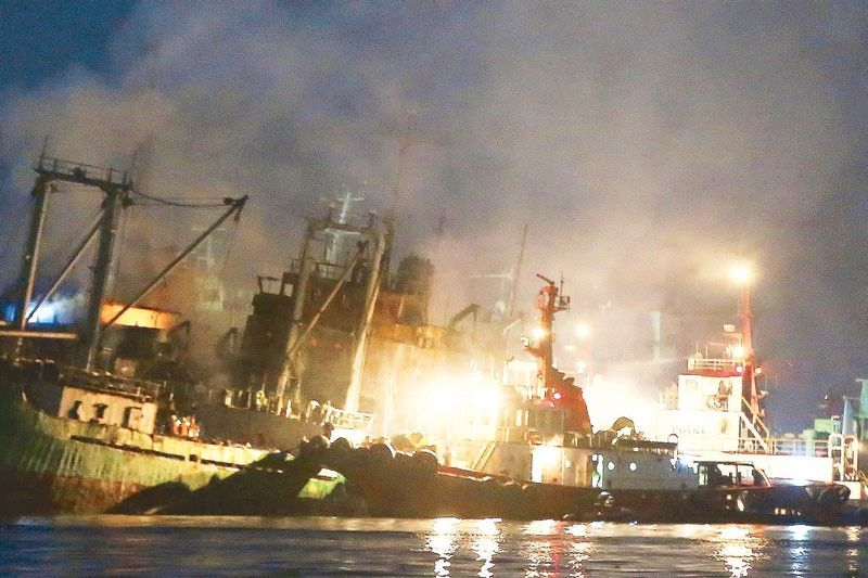 2 ships catch fire at Navotas port