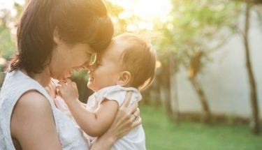 Skin expert gives mommy advice on caring for children with eczema