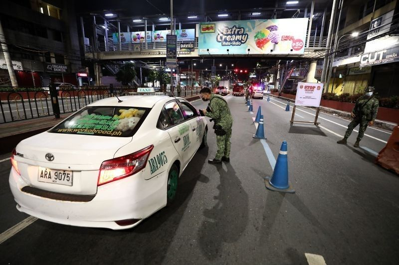 DILG told: Act on reported lockdown enforcement vs delivery riders, people ordering food