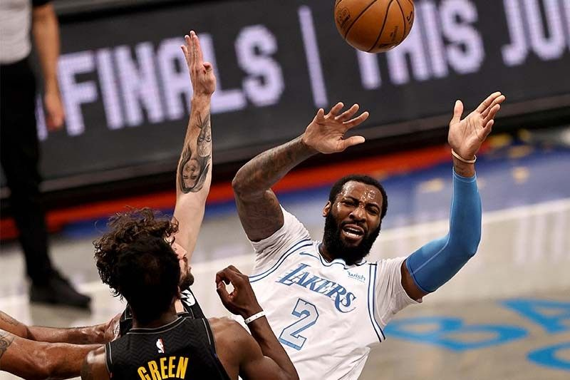 Short-handed Lakers beat Nets; Jazz top Kings