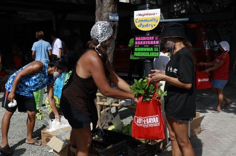 Fact check: Mga pahayag ng Malacañang sa 'community pantries'