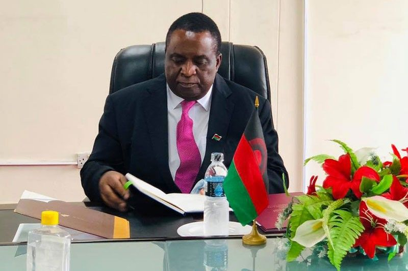 Malawi president fires minister over COVID-19 funds