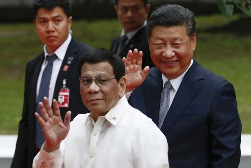 Ex-DFA chief: Duterte 'shelved arbitral win' for Chinese investments