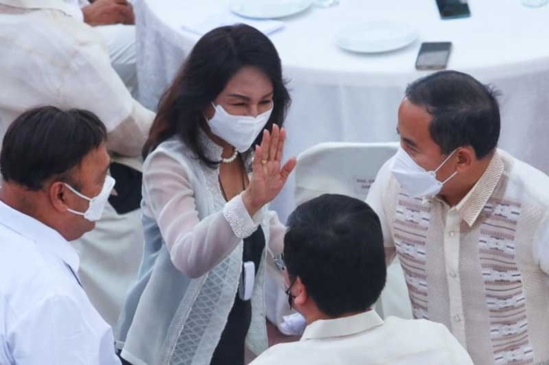 Gwen backs entry of vaccinated foreigners
