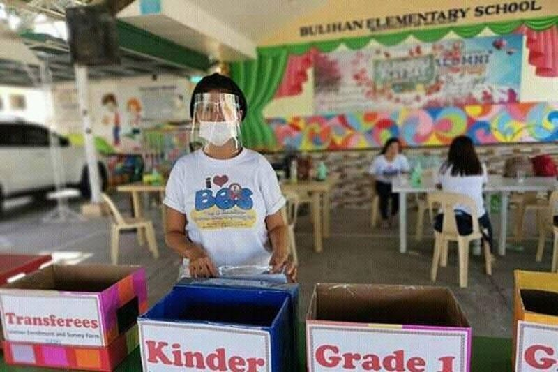 DepEd to review policies on public school districting