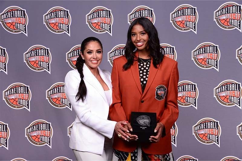 Kobe Bryant's eldest daughter Natalia wears his Hall of Fame jacket in induction