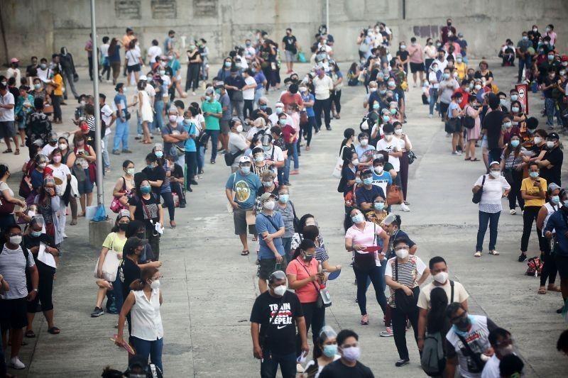 Aktibong COVID-19 cases sa bansa 49,951 na lang, 'lowest sa higit 2 buwan'