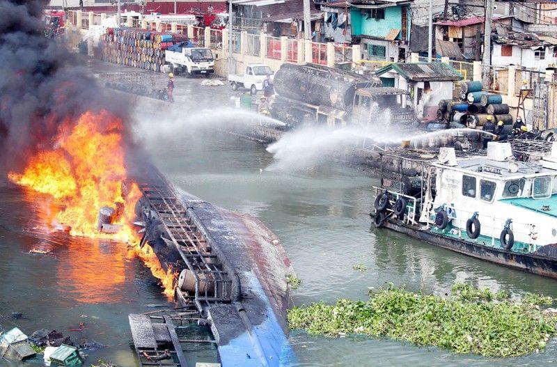 6 hurt, 2 missing as fire hits oil tanker