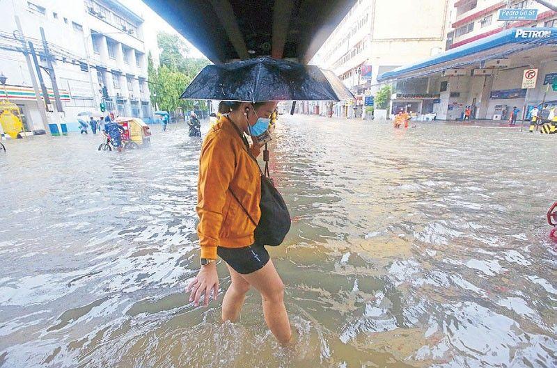 Monsoon floods cities; thousands evacuated
