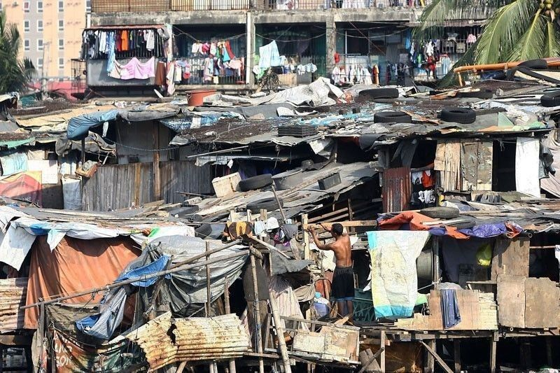 Half of Pinoy families rate themselves poor � SWS