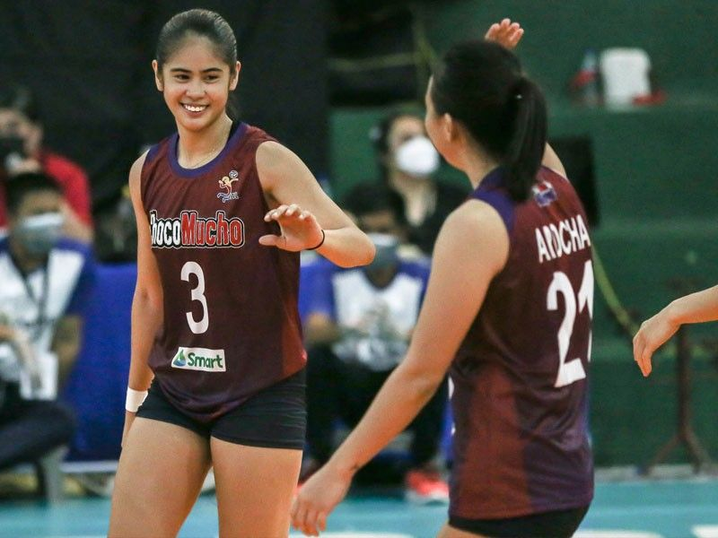 Wong a perfect fit as Choco Mucho trounces Cignal for share of lead