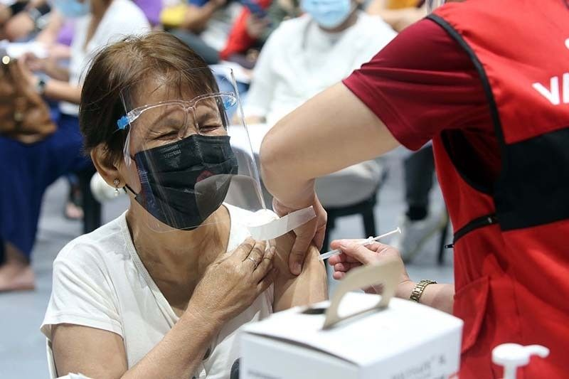 Lockdown in August to help buy time for vaccination, says Palace adviser