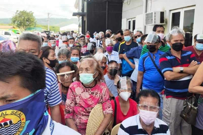 More people flock to vax sites amid Delta, no entry scares