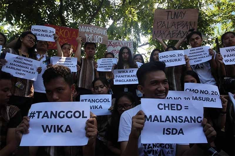 Group seeks return of Filipino, Panitikan as core subjects in college
