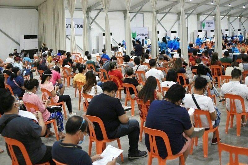Perks boost vaccination drive in Las Piñas � Rep. Villar
