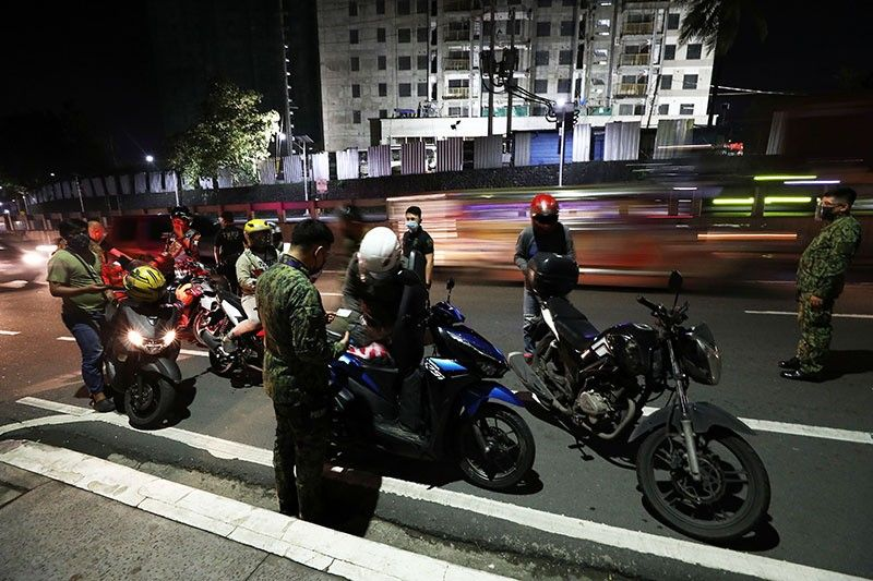 Non-APORs not allowed to fetch and drive essential personnel � PNP chief