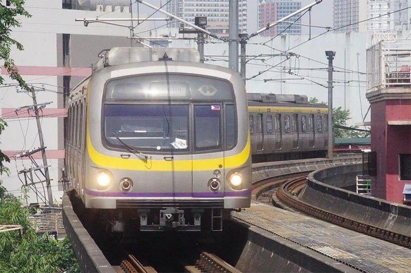 Tangled t-shirt stops LRT-2 train trips