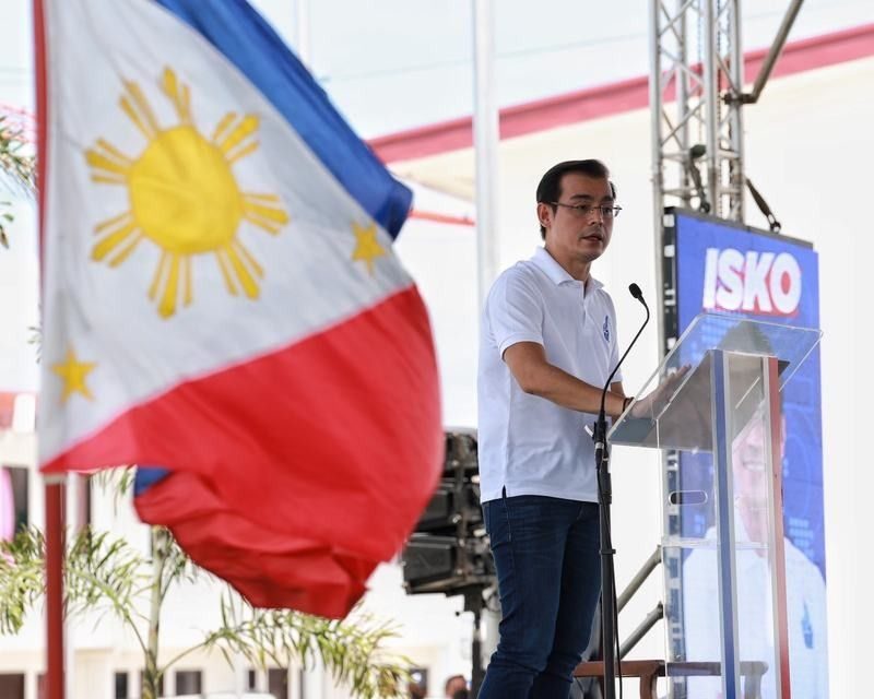 �I can work with anybody�: Moreno positions as moderate at launch of Palace bid